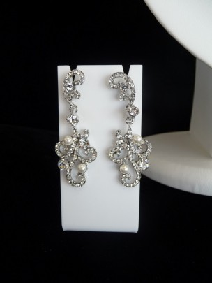 Pearl and Diamante Earring and Necklace Set