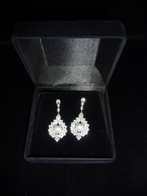 PEARL DROP EARRINGS WE504